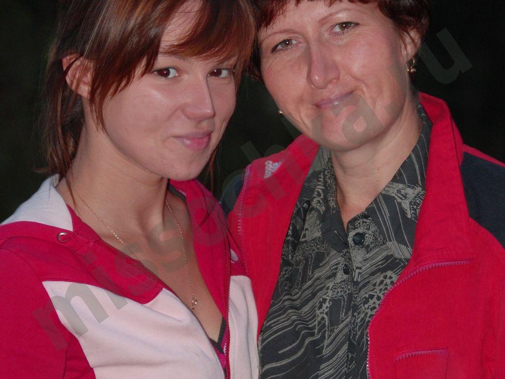 Отношения между мамой и дочерью подростком