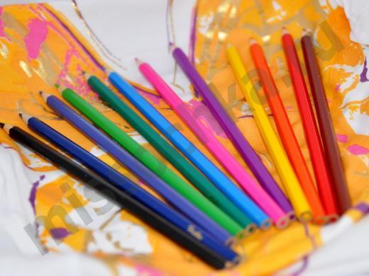 цветные карандаши для ребёнка
