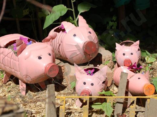 розовые свинки из пластиковых бутылок