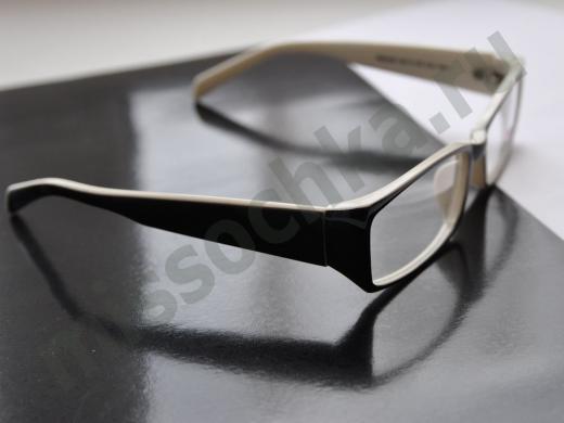 оправа для очков в чёрно-белом варианте
